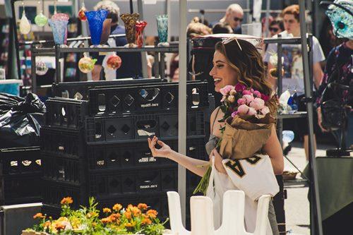 women in shopping